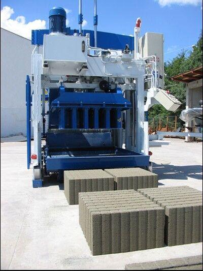 ny SUMAB E-12 (2000 blocks/hour) Block Machine betongblock maskin
